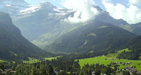 Hiker dies after fall in Vaud Alps ravine