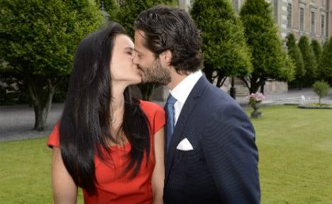 Swedish prince to marry 'Paradise Hotel' girlfriend