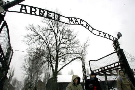 Swedish Jews welcome Auschwitz school trip