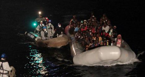 Ten migrants die after rubber dinghy sinks