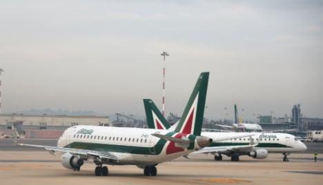 Alitalia to pursue final deal with Etihad