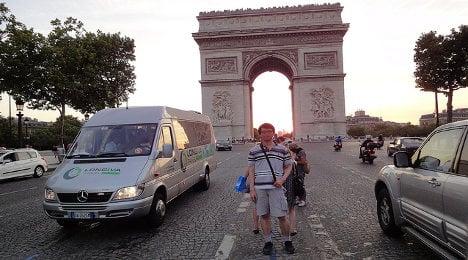 Twelve things tourists do that annoy Parisians