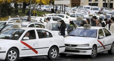 Chaos threatened as taxi drivers strike over Uber