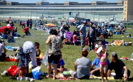 Tent pegs banned at Berlin's Tempelhof park