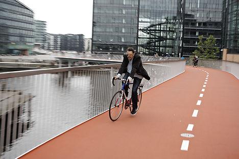 Copenhagen's new cycling bridge opens