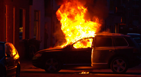Flaming car shuts down Stockholm tunnel