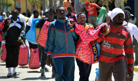1,000 migrants stopped at Spain's African border