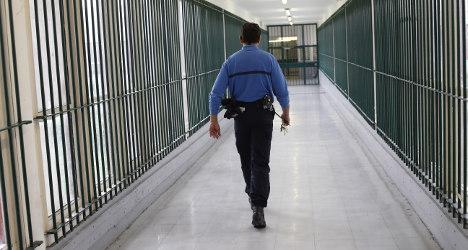 Armed men break French drug kingpin out of jail
