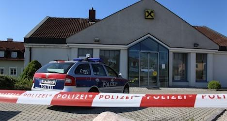 Bungling Bosnian bank bandits bagged