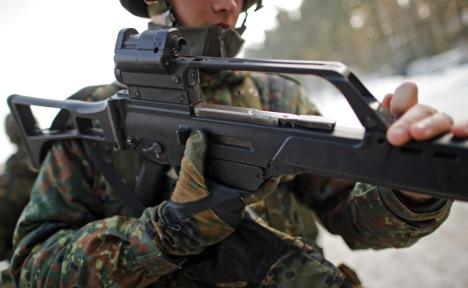 German army looks into wonky gun