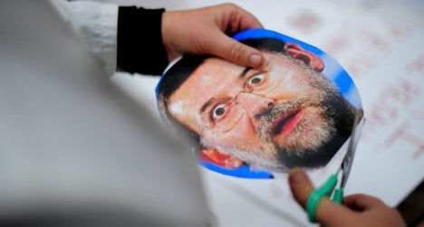 Spain's PM to back king in key abdication vote