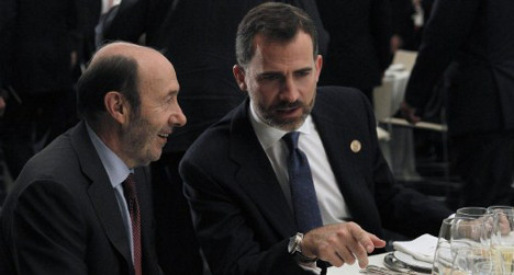 Socialists 'forced' to back Spain's king or pay €600