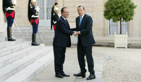 Hollande meets Abbott after D-Day events