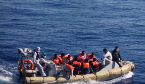 Italian navy rescues over 1,000 migrants