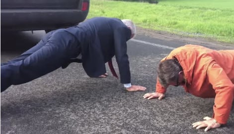VIDEO: Jagland doing press-ups in Donetsk