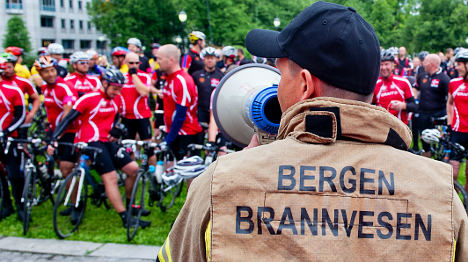 Firemen cycle 500km for cancer recognition