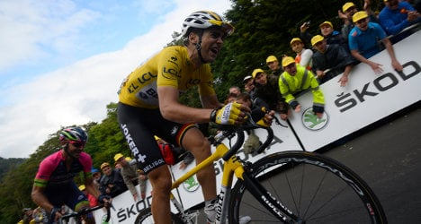Tour de France stage 11: Frenchman Gallopin wins
