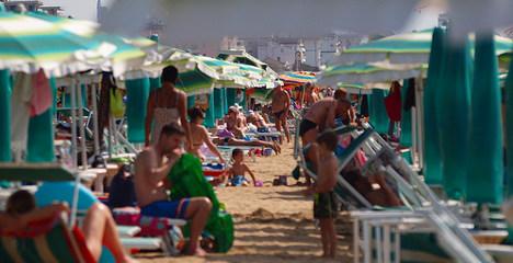Children dig up cannabis on Italian beach