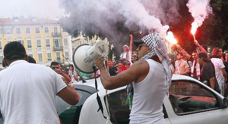 France ups security after synagogues stormed