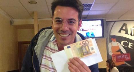 Twitter treasure hunters seek cash in Madrid park