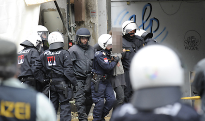Police arrest 19 people from Vienna squat