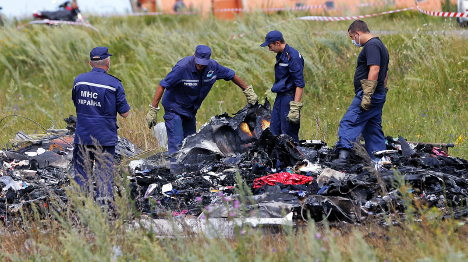 Europe threatens Russia with sanctions over MH17