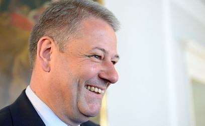 Rupprechter expresses doubts about TTIP