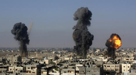 Bildt calls for 'immediate' Gaza cease-fire