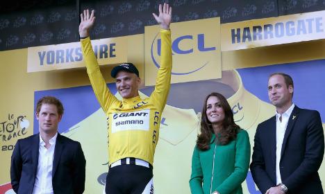 Kittel wins Tour de France first stage