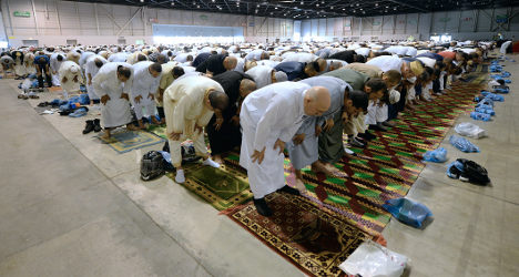 France's Muslims mark the end of 'holiest month'