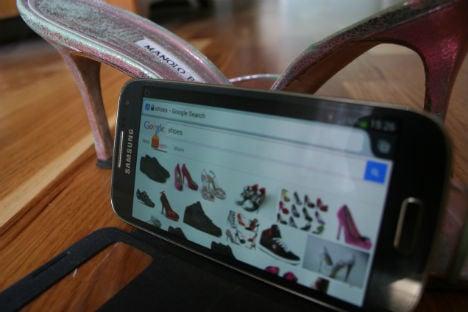 Shoe-loving Swedes top smartphone use