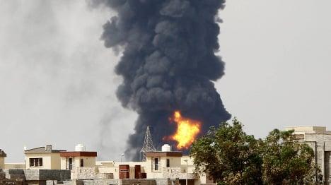 Italian fire-fighting jets to combat Libya oil inferno