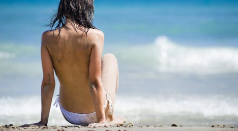 Spaniards score high in beach topless ratings