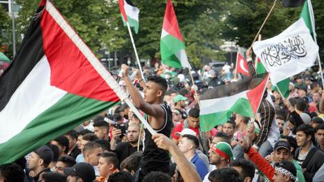 German Jews condemn 'explosion of hate'