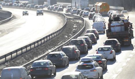 Motorway havoc after six car pile up