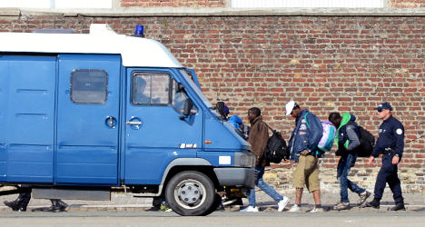 Police evict migrants from main Calais camp