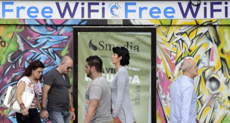 Broke Wi-Fi provider admits to cooking books