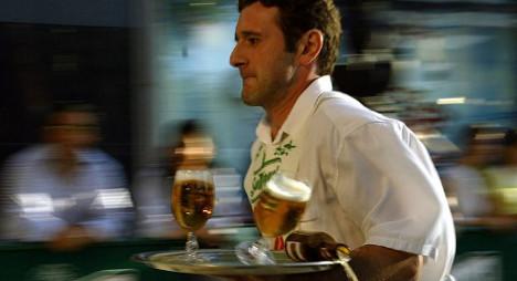 Summer jobs shrink Spanish unemployment