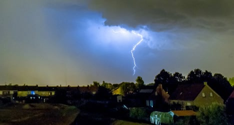 Violent storms to drench south-western France