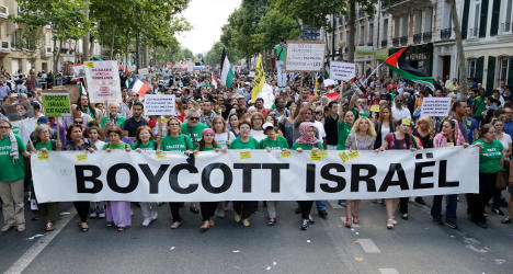Paris: Thousands march in pro-Palestinian demo