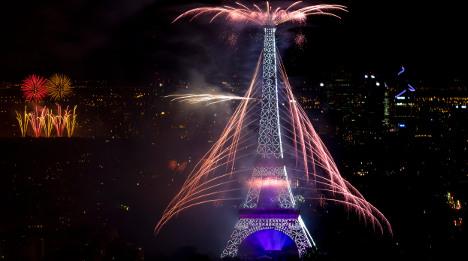Bastille Day fireworks mark WW1 centenary