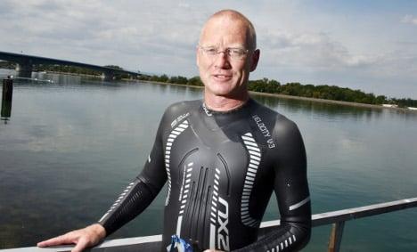 'Mad professor' to swim length of Rhine
