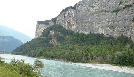 German starts solo Rhine swim in Switzerland
