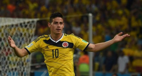 Real Madrid sign World Cup star Rodríguez