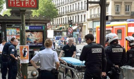Paris metro shoot-out as robber hits gold shop