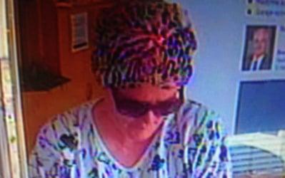 'Older' woman robs Linz bank