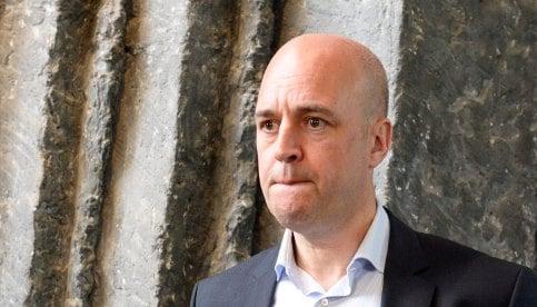 Reinfeldt 'would support' anti-terror laws