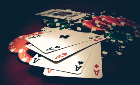 Armed raiders ransack Norwegian poker players