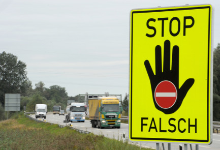 Warning system planned against 'ghost drivers'