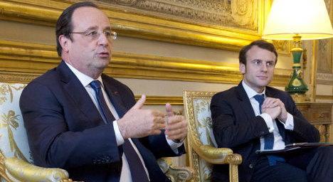 Hollande plays final card as he splits from left
